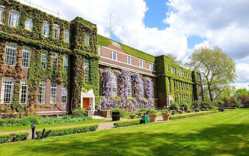 Regent's University London | Walpole member
