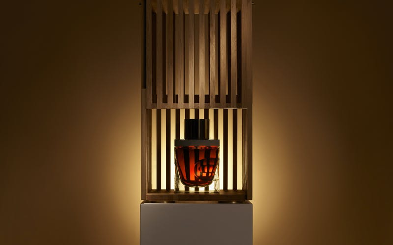 Gordon & MacPhail reveals a unique decanter designed by Sir David Adjaye