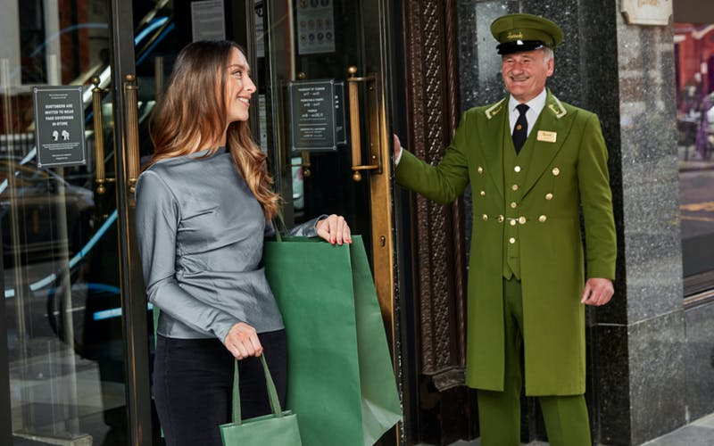 Harrods' iconic green plasticbag gets a sustainable makeover