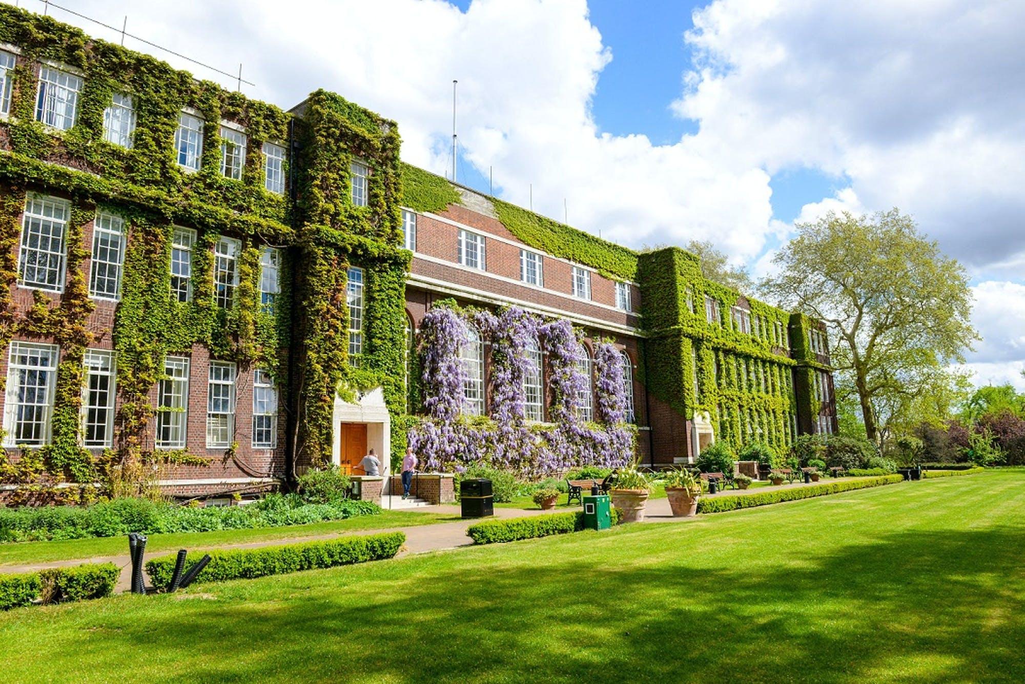 Walpole Programmes Introducing the Walpole x Regent's UniversityLondon Professorship