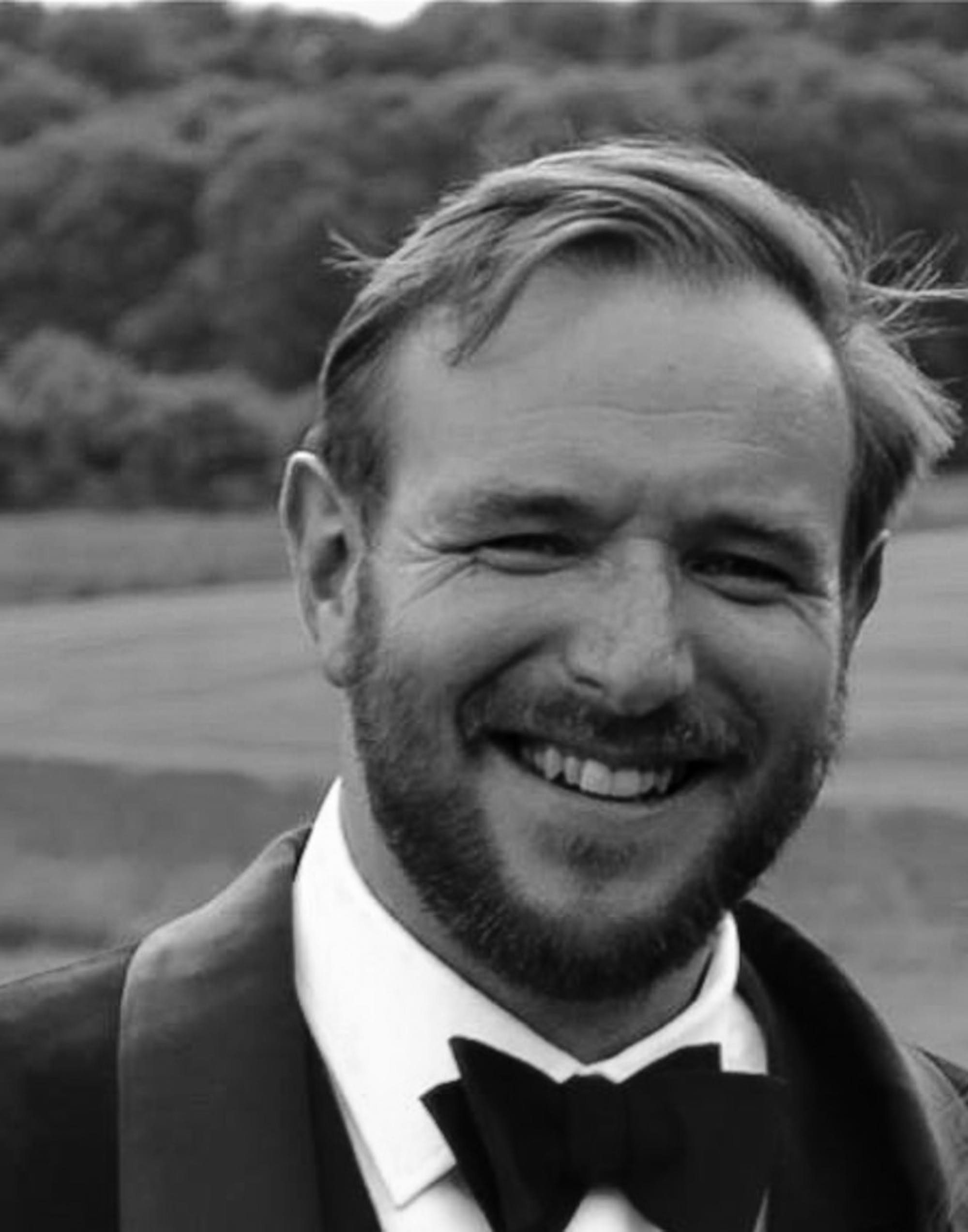 e New Rules for Luxury  Paul Graham, Sales & Marketing Director,Cleave & Co.